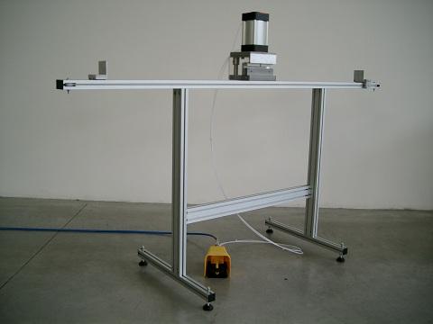 FB1 – Stampo per foratura barra maniglia.